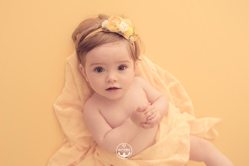 Fotógrafo de bebés en Barcelona. Sesiones de estudio.